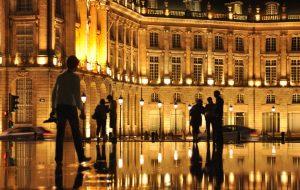 """Place de la Bourse"""" et du """"miroir d'eau""""."""
